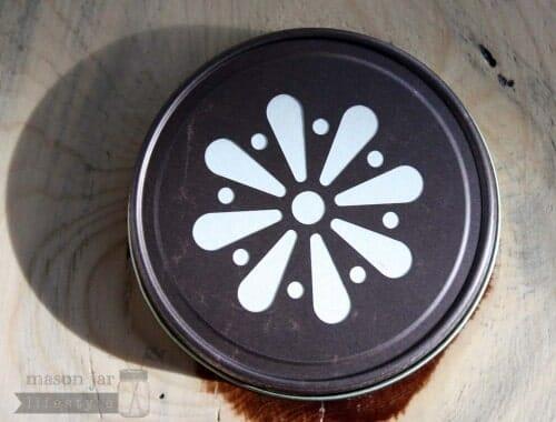 Vintage bronze daisy lid for Mason jars top