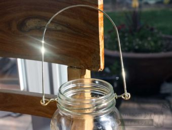 Gold colored wire handle for regular mouth Mason jars