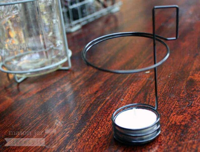 Tea light holder neck clip for regular mouth Mason jars