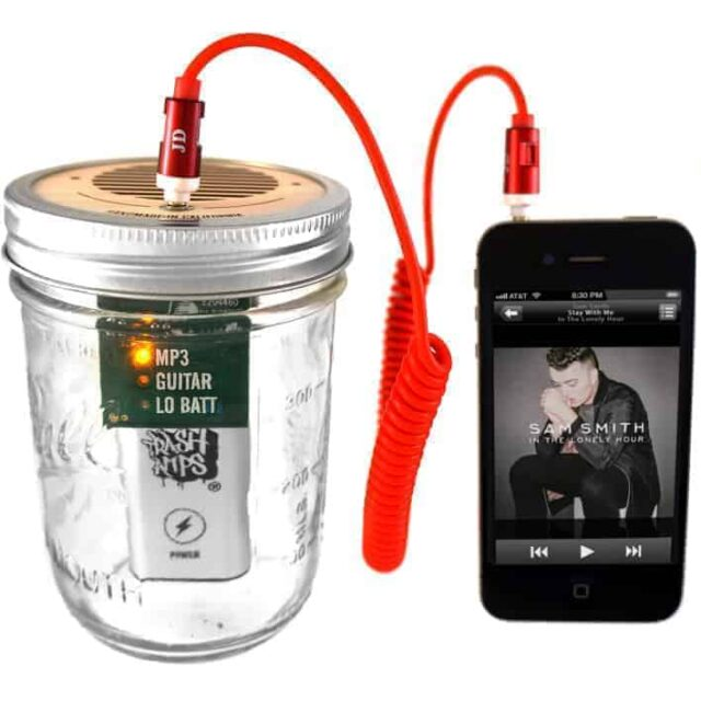 Trash Amp Mason jar speaker for iPod, MP3 player, or guitar