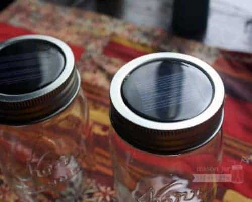 Solar light lids for Mason jars with metal bands