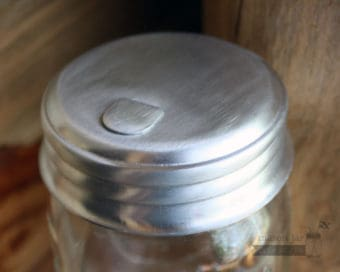 Sugar dispenser pour lid for regular mouth Mason jars closed