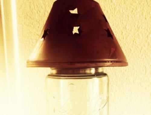 Rusty tin star cut lamp shade lid for regular mouth Mason jars