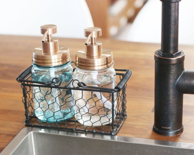 Black Painted Steel Chicken Wire Caddy for Two Pint Jars