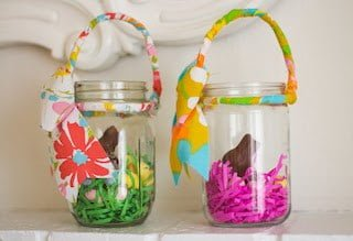 Mason jar easter crafts and ideas need a hostess gift for your easter host or just a fun gift to give your guests how about easter smores oh yea these are a fun easter twist on negle Images