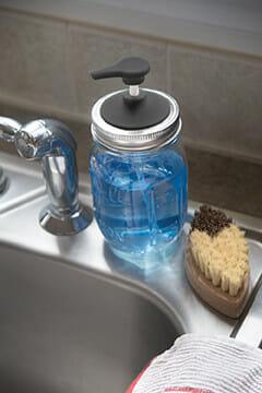 Jarware black plastic soap pump for regular mouth Mason jars on sink