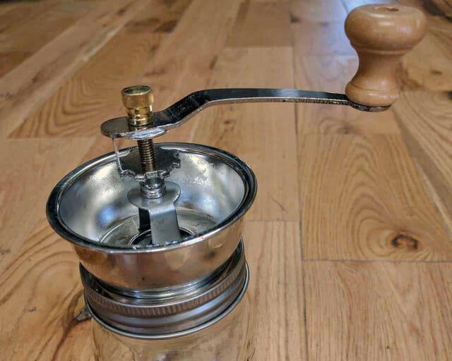 Manual coffee grinder lid for regular mouth Mason jars