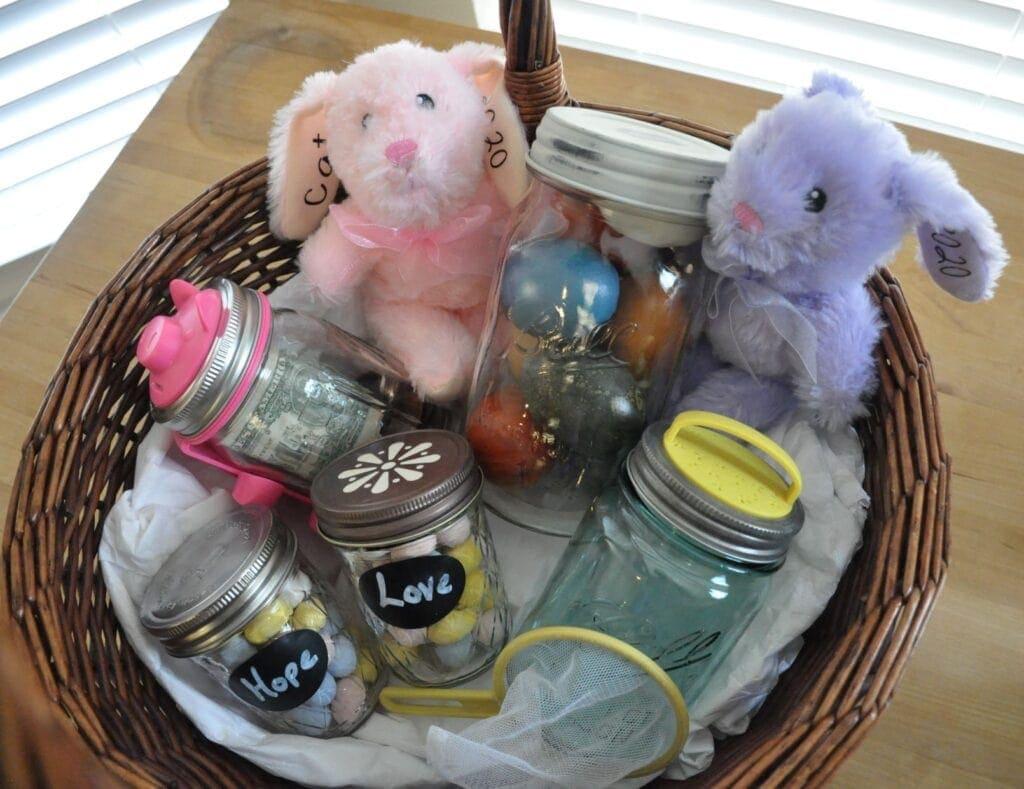 mason-jar-lifestyle-easter-baskets-piggy-bank-firefly-catching-kit-candy-kids-toys-bunnies (1)