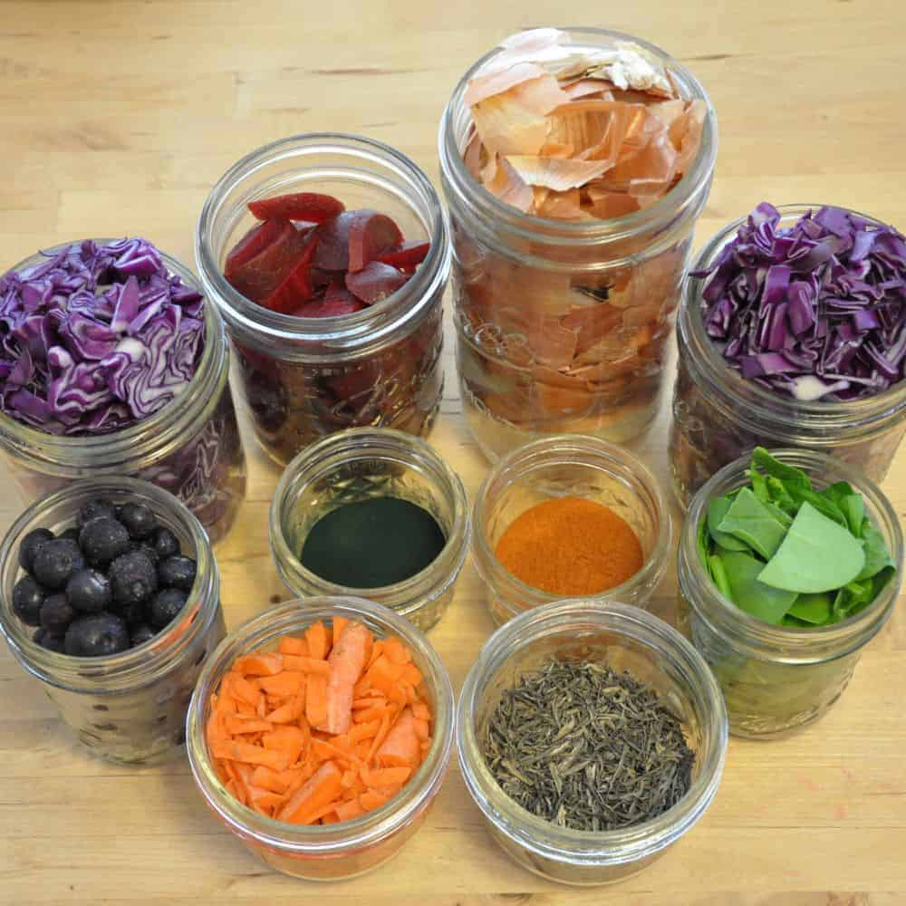 mason-jar-lifestyle-naturally-dyed-easter-eggs-using-everyday-food-onion-peels-beets-spinach-tea-spices