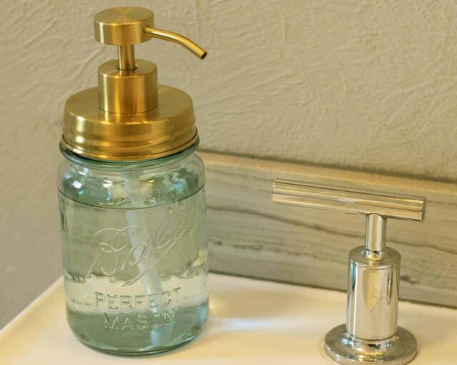 mason-jar-lifestyle-soap-pump-dispenser-lid-kit-matte-gold-#2-aqua-pint-ball-jar-sink
