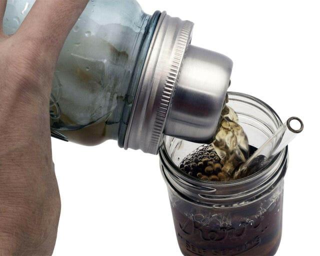 mason-jar-lifestyle-w&p-designs-mason-shaker-cocktail-lid-stainless-steel-band-blue-ball-jar-pouring-kerr-half-pint-glass-straw